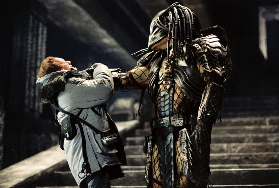 alien-vs-predator-2004