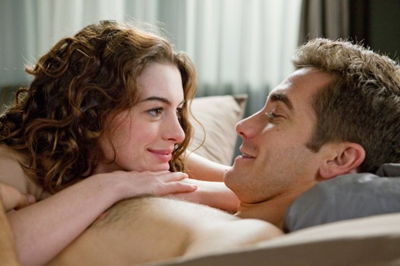 Love and other Drugs Film Jake Gyllenhaal Anne Hathaway naked