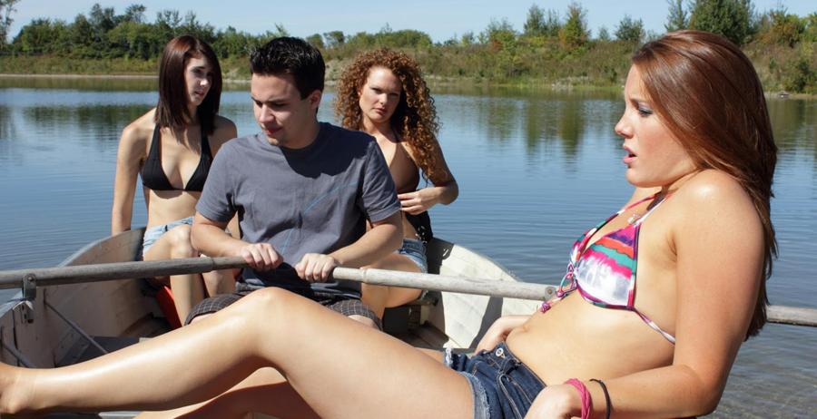 jurassic shark Bikini Boat Film